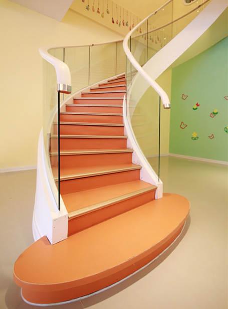幼儿园橡胶地板_环保橡胶地板